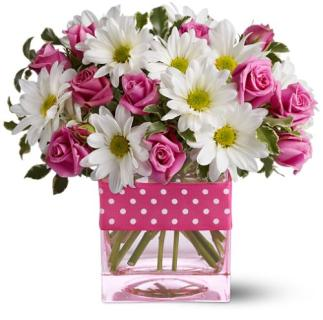 Pretty Pink Roses And Daisies