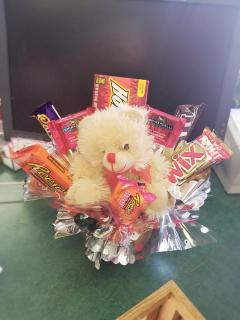Valentine\'s Candy Bouquet with Plush Bear
