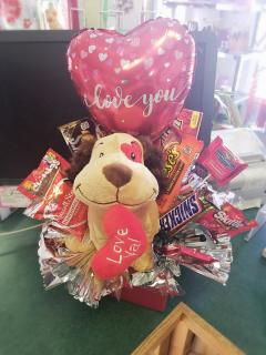 Valentine\'s Candy Bouquet with Puppy