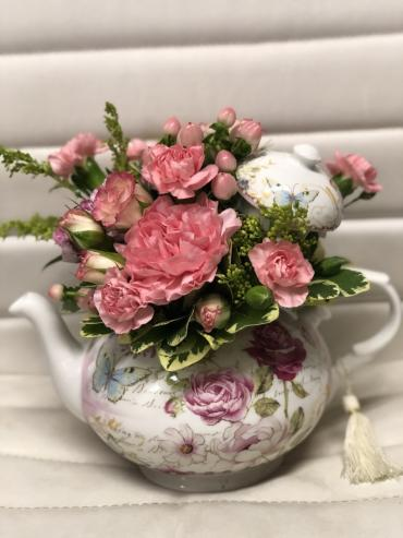 PINKY\'S TEAPOTS FOR MOM