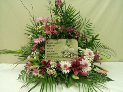 A SYMPATHY PLAQUE ARRANGEMENT