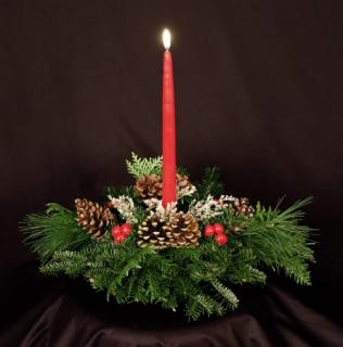 CANDLE WINTER CENTERPIECE