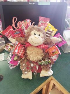 Valentine\'s Candy Bouquet with Plush Monkey