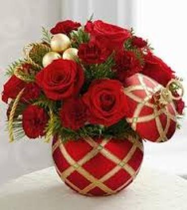 SEASON\'S GREETINGS ELEGANT BOUQUET