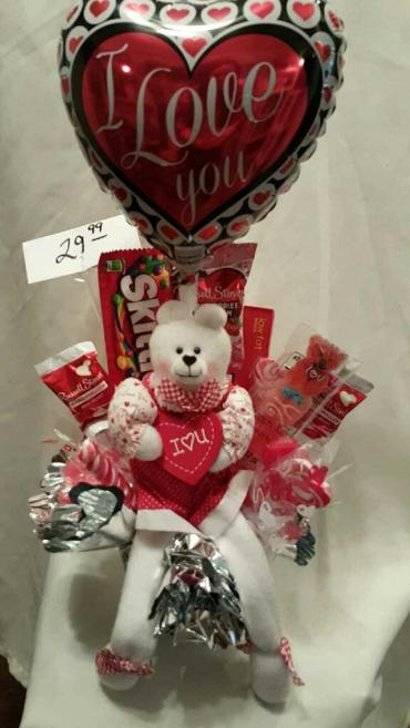 LOVEY CANDY BOUQUET WITH WHITE BEAR